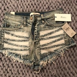 Kancan size 25 high waisted jean shorts NWT